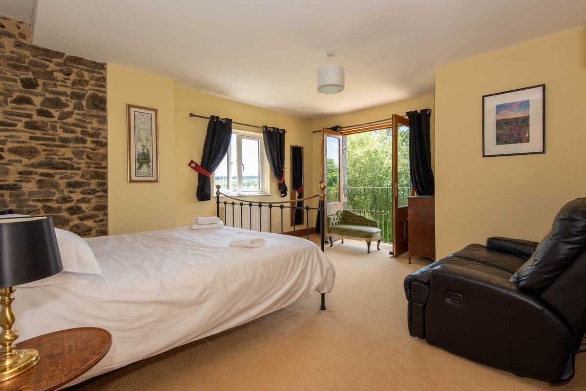Walkham Main Bedroom